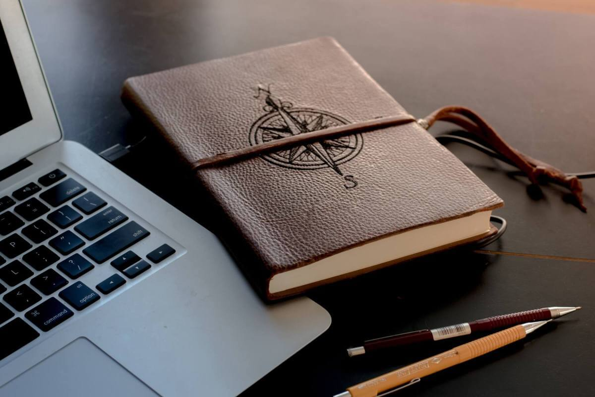 Reasons To Keep A Travel Journal - WhoWired.com